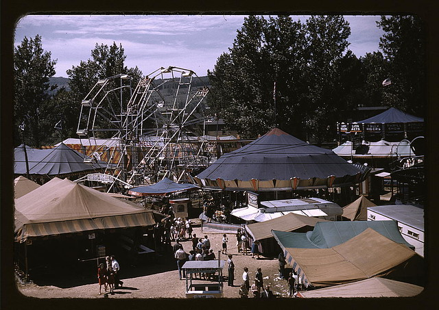 Side shows at the Vermont state fair, Rutland (LOC)