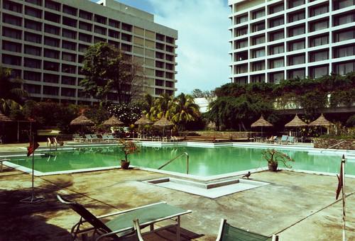 Swimming Pool - Oberoi Hotel  Columbo  Sri Lanka
