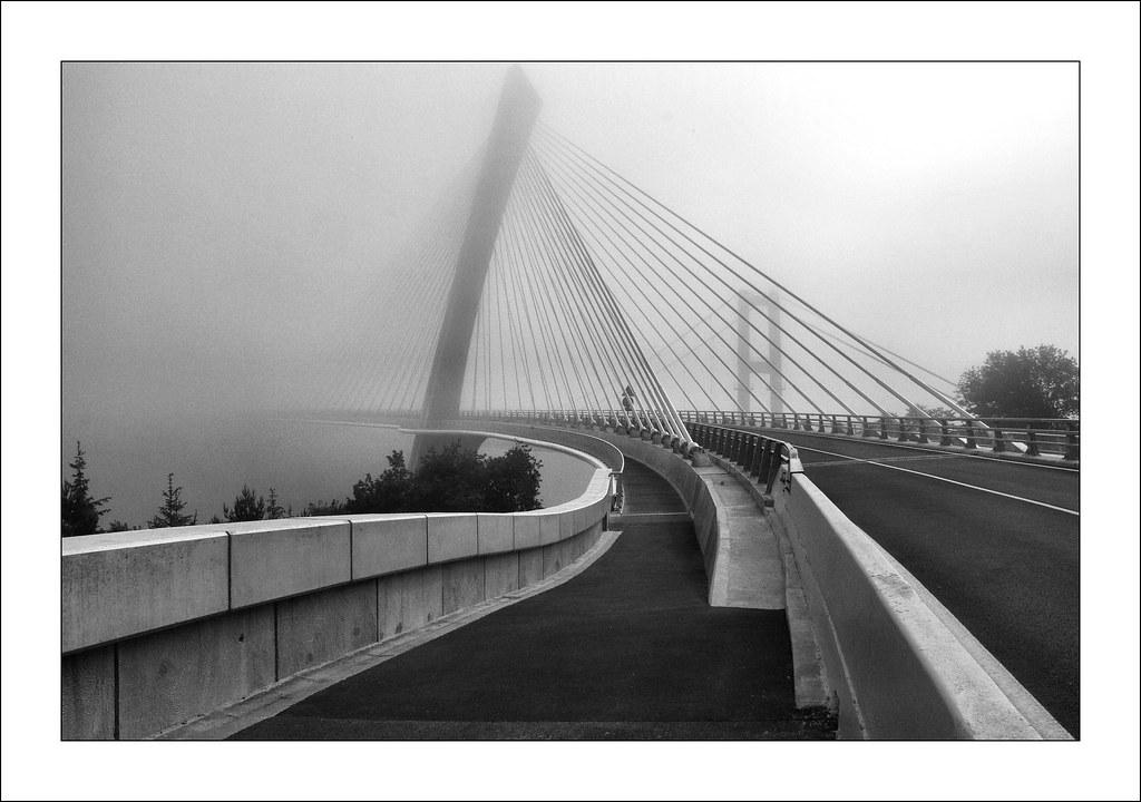 Pont de t r nez premier po flickr - Premier pont a haubans ...