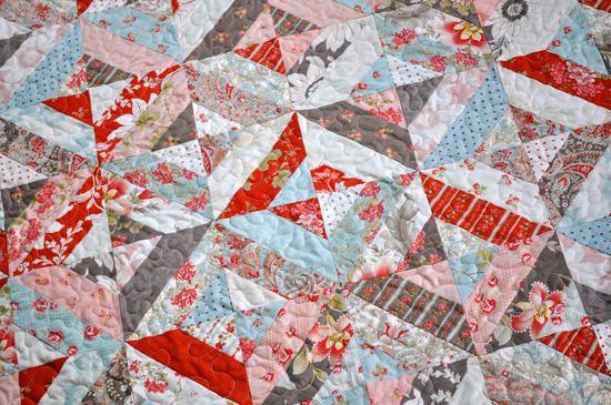Garden trellis quilt closeup i used a moda martinique for Garden trellis designs quilt patterns