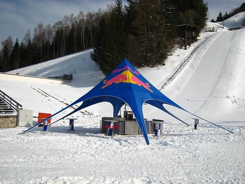 red bull zelt red bull zelt am skistadion in garmisch part flickr. Black Bedroom Furniture Sets. Home Design Ideas