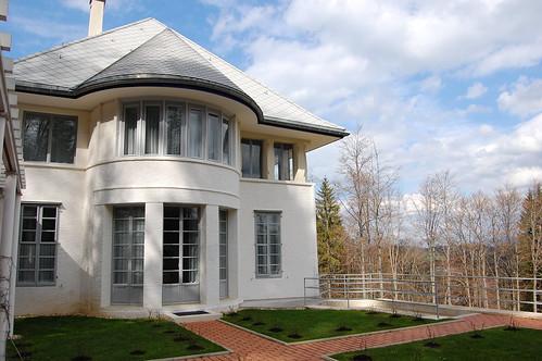 facade la maison blanche la chaux de fonds switzerland flickr. Black Bedroom Furniture Sets. Home Design Ideas