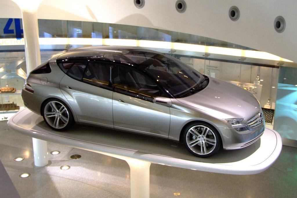 Mercedes benz museum mercedes f500 mind stuttgart for Mercedes benz germany careers