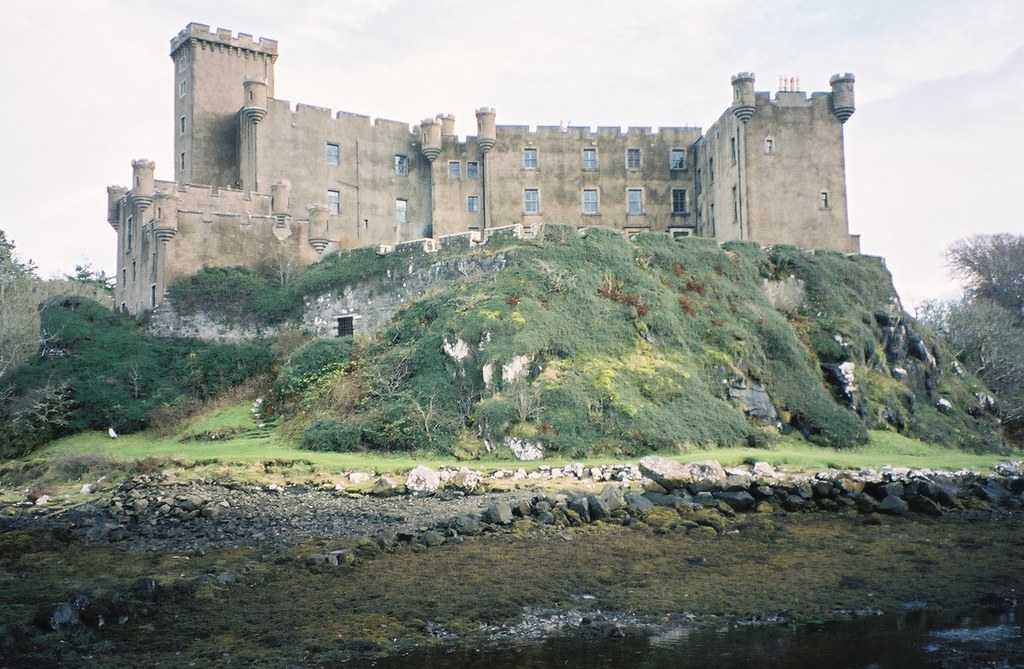 Dunvegan Castle Isle Of Skye 13th Century Stronghold Of T Flickr