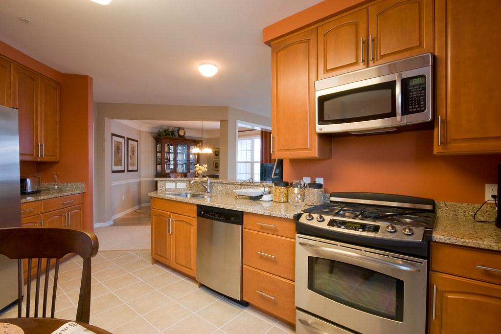 Luxury White Kitchen Cabinets