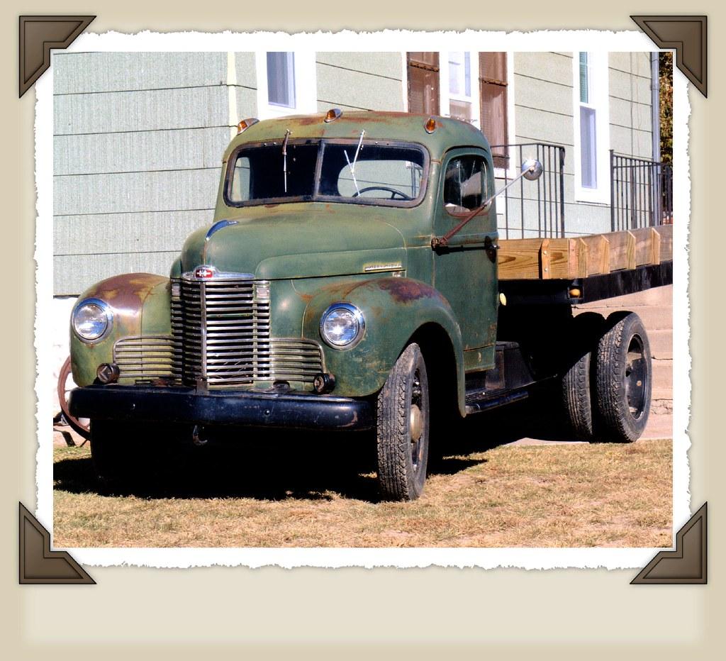 Antique International Harvester Wagon : Classic international harvester truck one of many