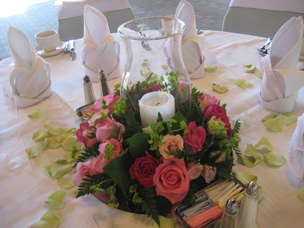 Rehearsal dinner centerpieces romantic rose floral ring
