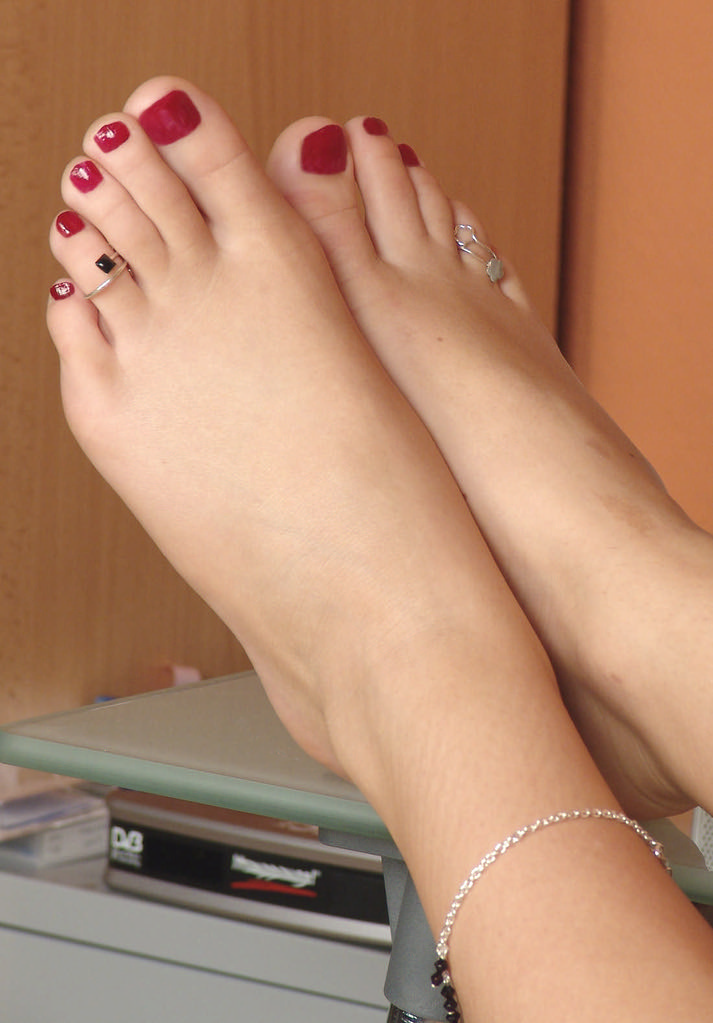 Sexy Feet  I Need Your Comments  Support  Ms Footlover -2233