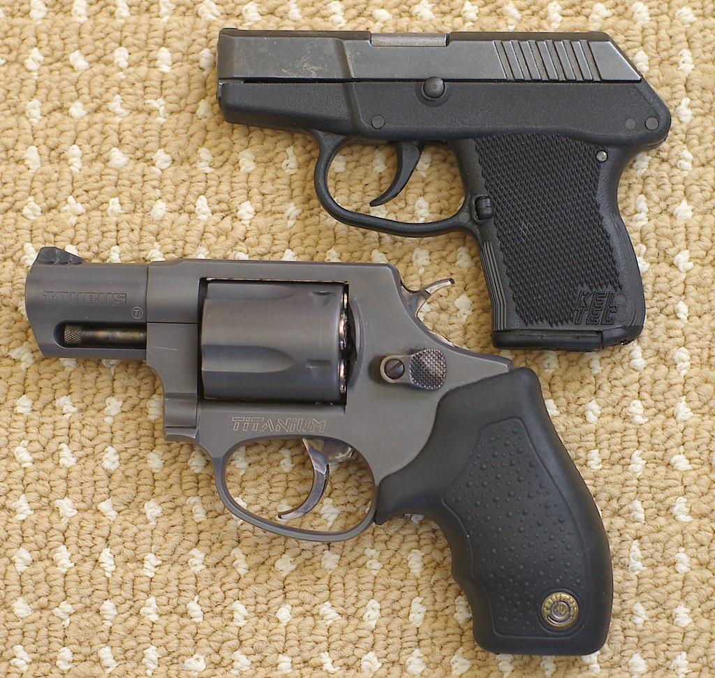 Pistol vs revolver