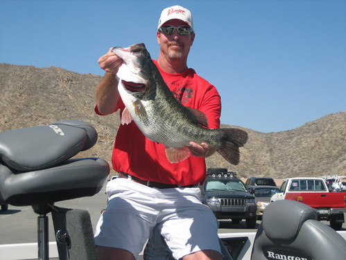 Diamond valley lake record what are california for Diamond valley lake fishing report