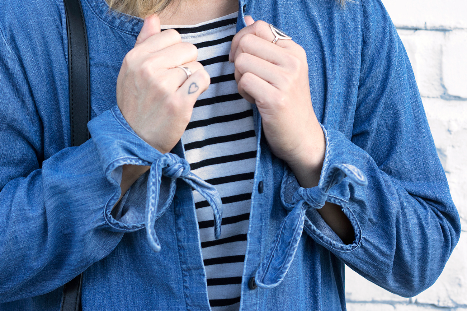 07madewell-denim-chambray-bow-tie-stripes-fashion-style