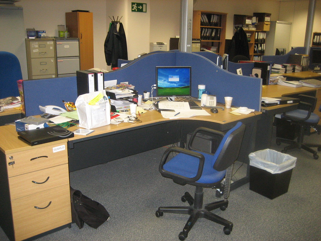 Work desk seamus walsh flickr - Office opslag tip ...