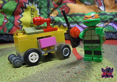 "LEGO TEENAGE MUTANT NINJA TURTLES :: ""Mikey's Mini-Shellraiser"" i (( 2014 ))"