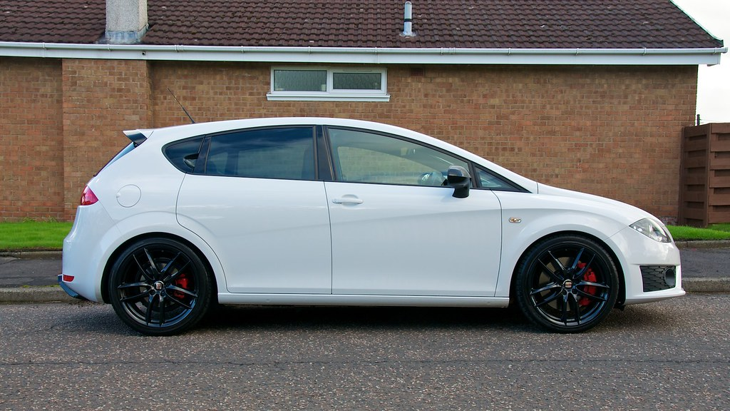 craig 39 s 2010 seat leon cupra r now with gloss black wheel flickr. Black Bedroom Furniture Sets. Home Design Ideas
