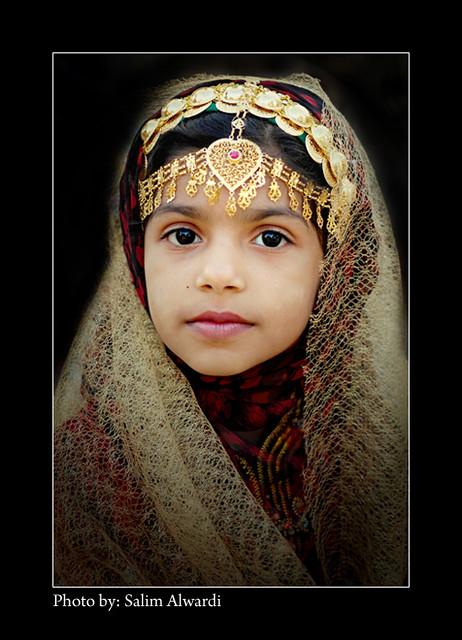 Omani Girl | Omani Girl Wearing Traditional Costume. Muscat U2026 | Flickr