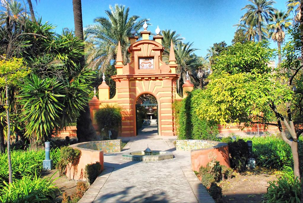 Sevilla reales alc zares jard n ingl s el jard n - Jardines verticales sevilla ...