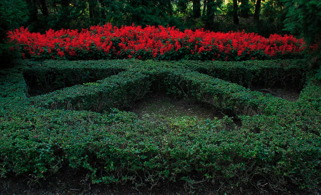 Triangle parterre section jpmatth flickr for Parterre 3d