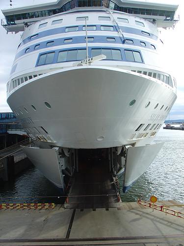 Silja Symphony | M/S Silja Symphony cruiseferry unloading ...