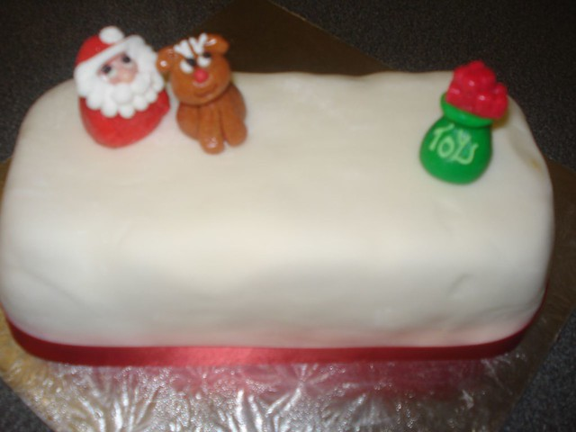 Vegan Cake Decorations Uk : Vegan Christmas Loaf Cake Boiled Vegan Fruit Cake with ...