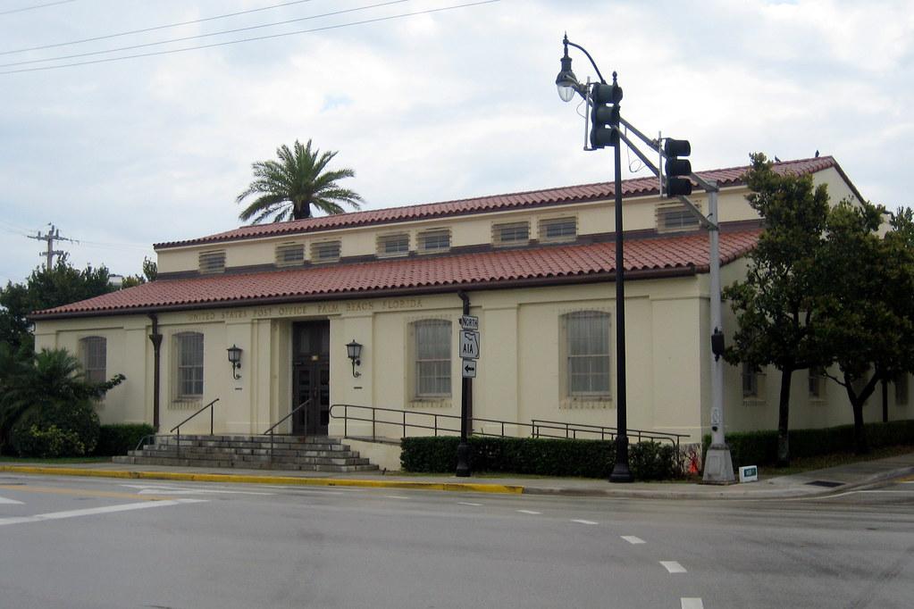 Palm Beach Post Names Suri West Best Restaraunt