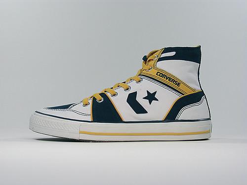 Converse Pro Leather Low Top White Unixx Shoe On Feet