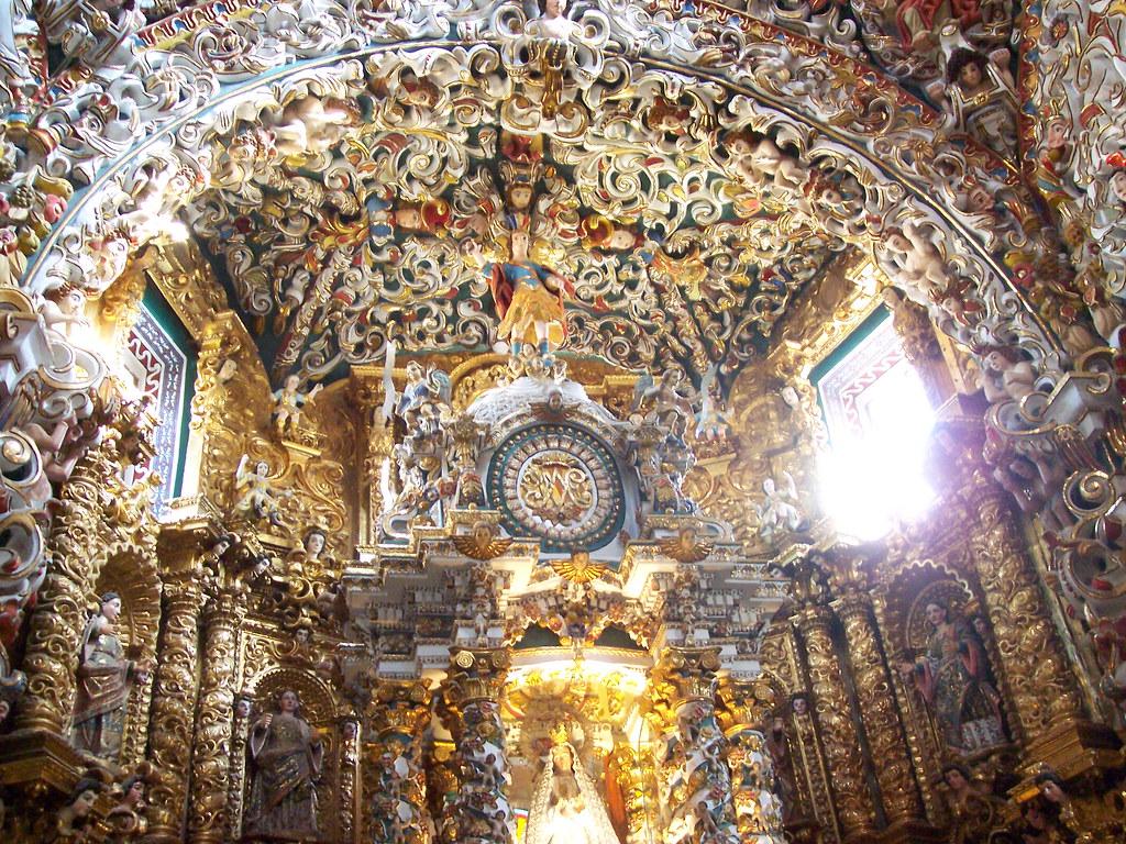 interior de la iglesia de Santa María Tonantzintla