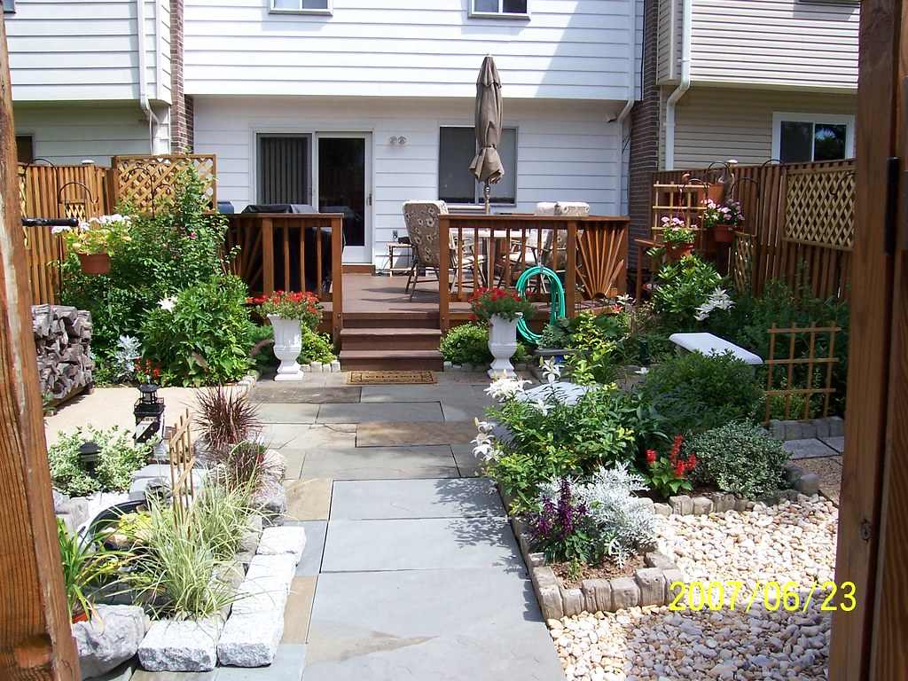 My Townhouse Backyard #4 | This picture I took from my ... on Townhouse Patio Ideas id=74162