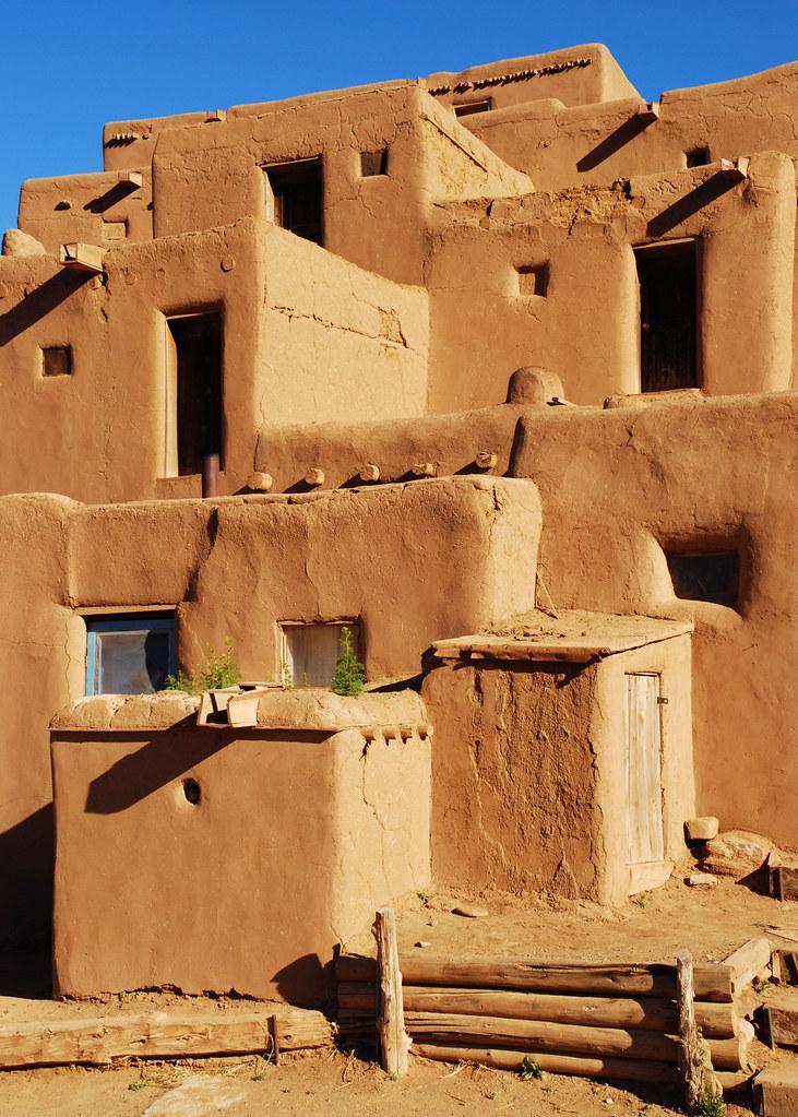 Adobe homes taos pubelo taos new mexico sam scholes for Adobe home builders