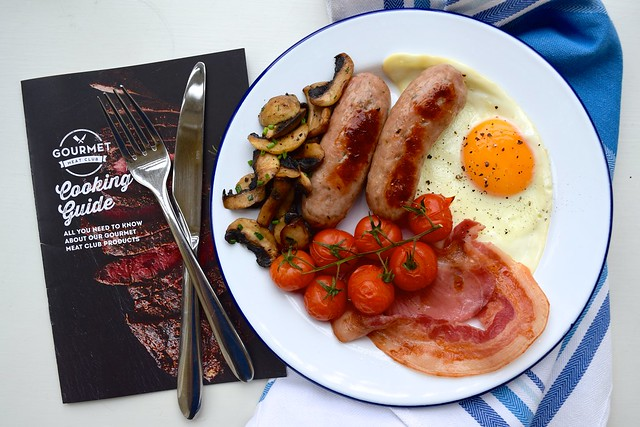 Full English Breakfast from the Gourmet Meat Club | www.rachelphipps.com @rachelphipps