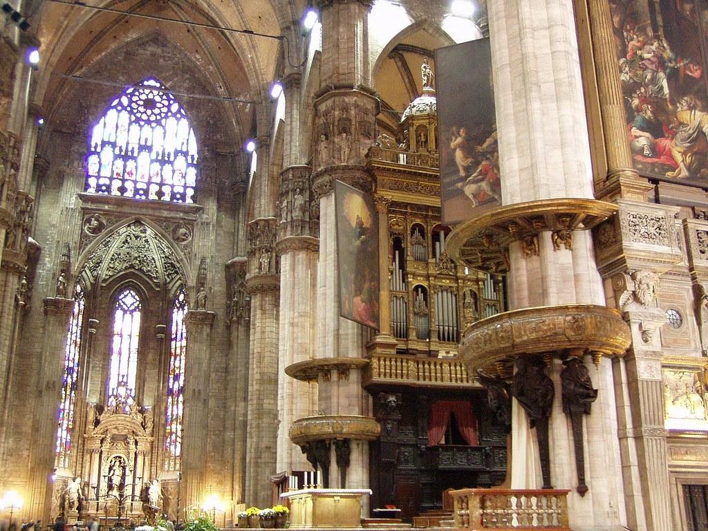 Interno del duomo di milano il complesso del presbiterio for Interno help