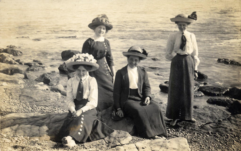 Edwardian Ladies At The Seaside  Found Image Although -1274