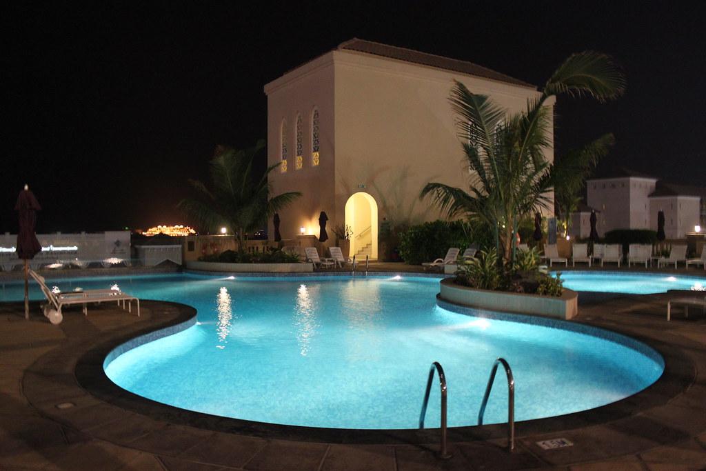 M Venpick Jumeirah Beach Hotel Dubai Swimming Pool At Nigh Flickr