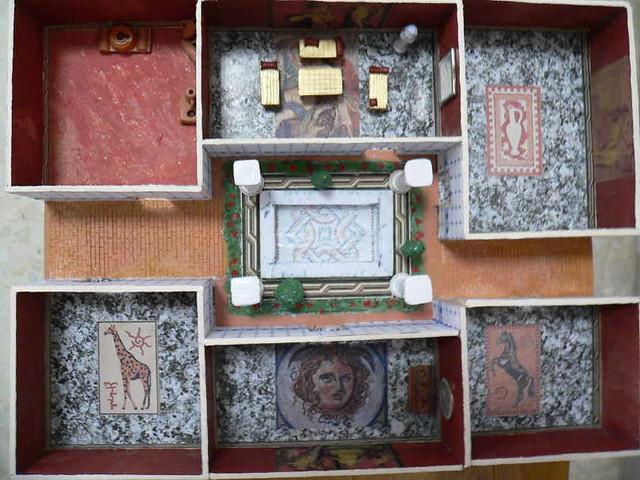 Maqueta casa romana maqueta de casa romana realizada en - Trabajar en casa montando cosas ...