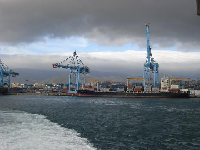 Puerto de algeciras parece que hay monta as nevadas detr flickr photo sharing - Puerto de algeciras hoy ...