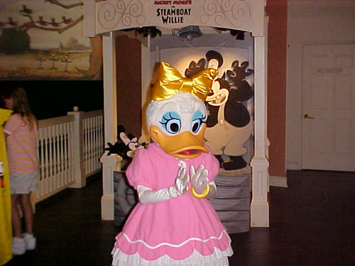 Daisy Duck Disneyland images