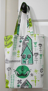 SHOPPER TOTE - Retro House | by iSew