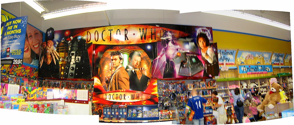 Doctor who at toys r us while looking at this display i for Cuisinette toys r us