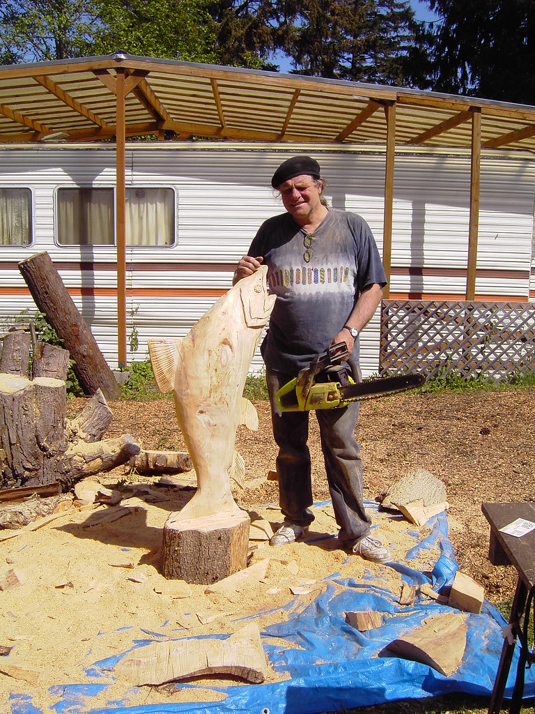 Chinnok salmon chainsaw carving lee a large