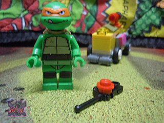 "LEGO TEENAGE MUTANT NINJA TURTLES :: ""Mikey's Mini-Shellraiser"" iii (( 2014 ))"