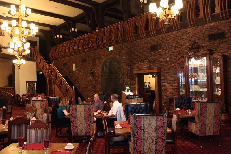 One World Restaurant Peoria Il