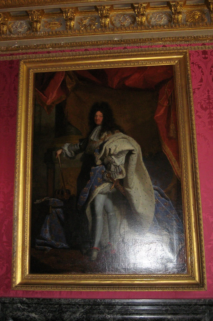 What were some of the successes and failures of absolute monarchy of the King Louis XIV of France?