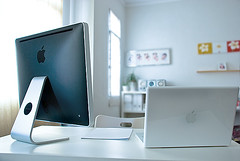 iMac and Macbook | by ronen08