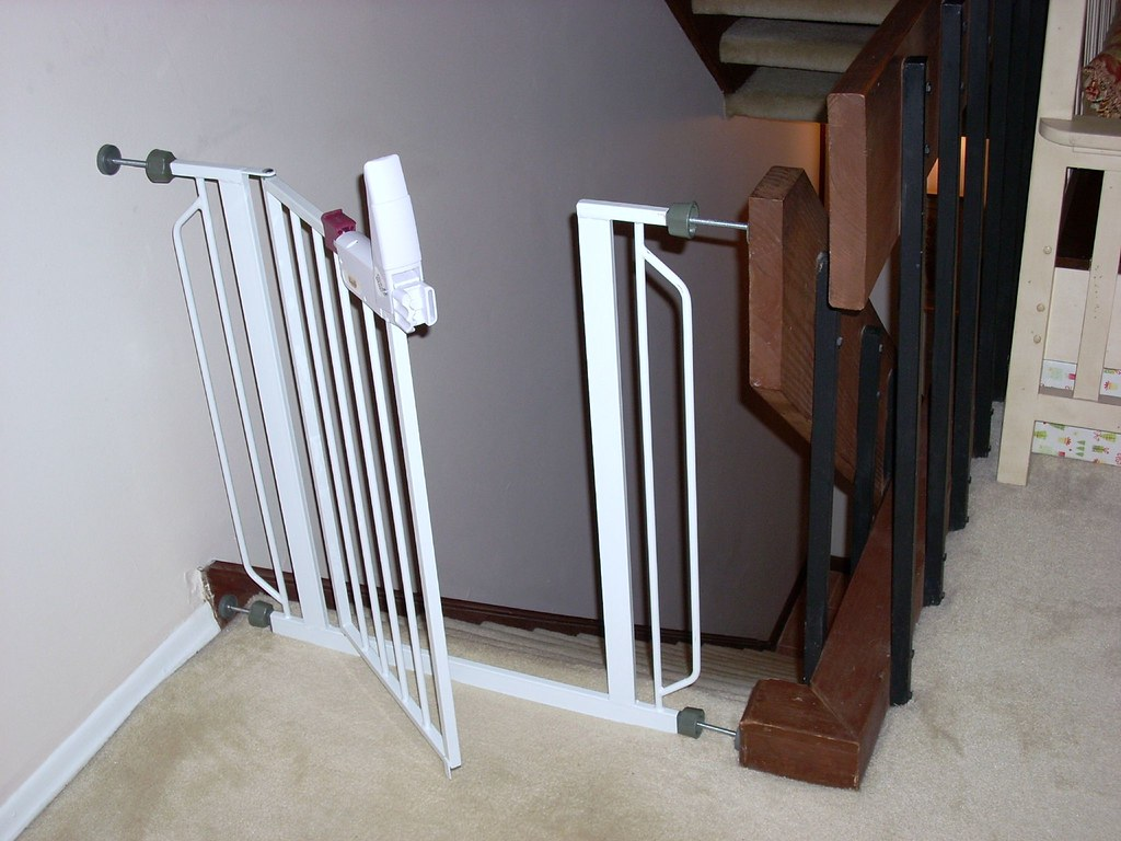 How To Choose Tall Baby Gates For Cats
