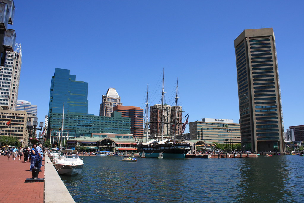 Baltimore's Inner Harbor | Looking north along Baltimore's ...
