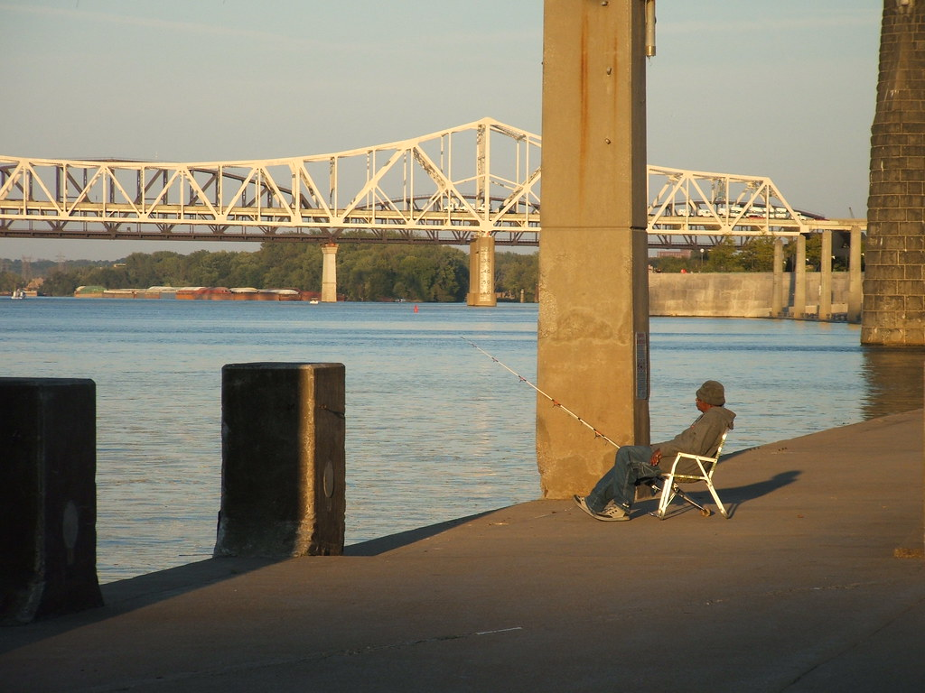 Fishing on the ohio waterfront park louisville ky 2007 for Fishing in louisville ky