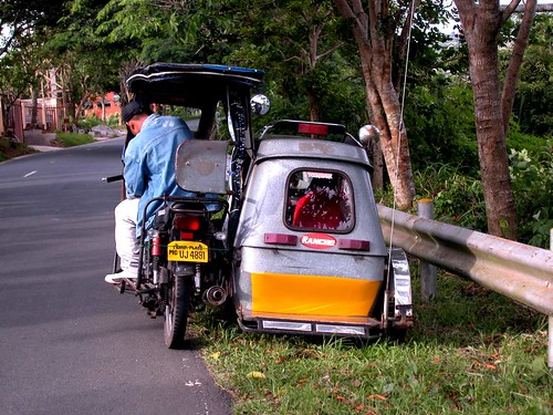2006 07 05 (02) Tricycle @ Tagaytay-e5000-10 | by Terry Hollis
