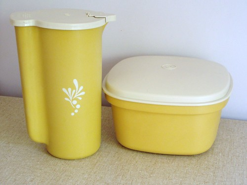 tupperware love | by **tWo pInK pOSsuMs**