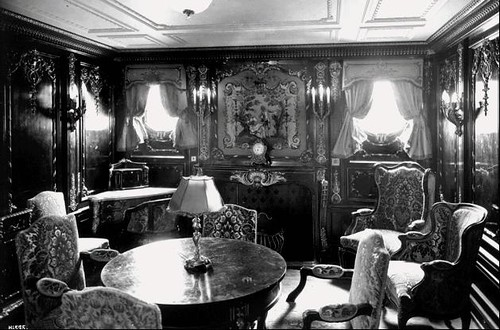 Rms titanic first class parlor this is from wikipedia Who was on the titanic in first class