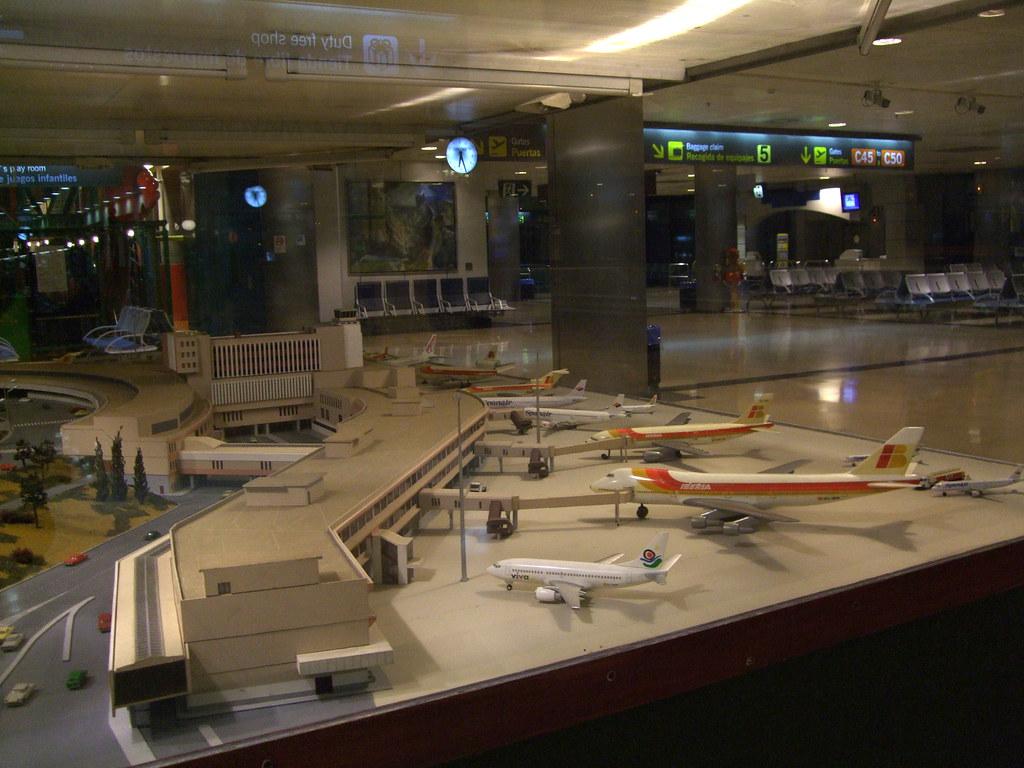 Madrid barajas airport terminal 1 gallery - Terminal ejecutiva barajas ...