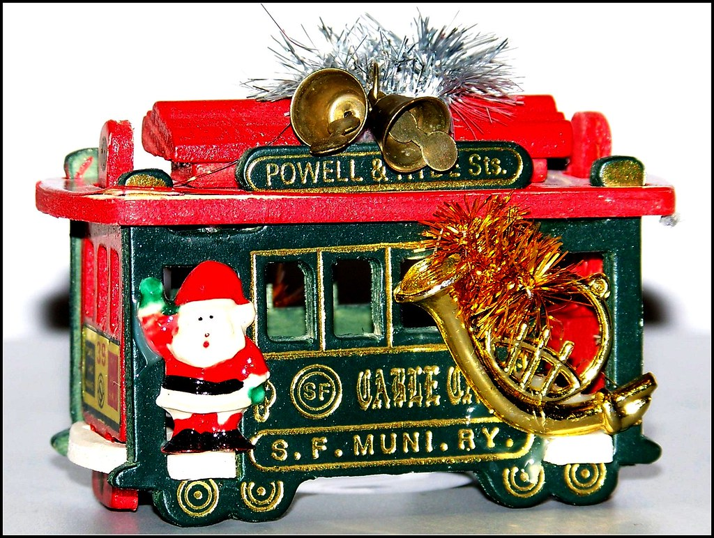 Kitschy San Francisco cable-car-souvenir-Christmas ornamen… | Flickr